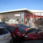 Car Dealerships – Join a Franchise or Start Independently?