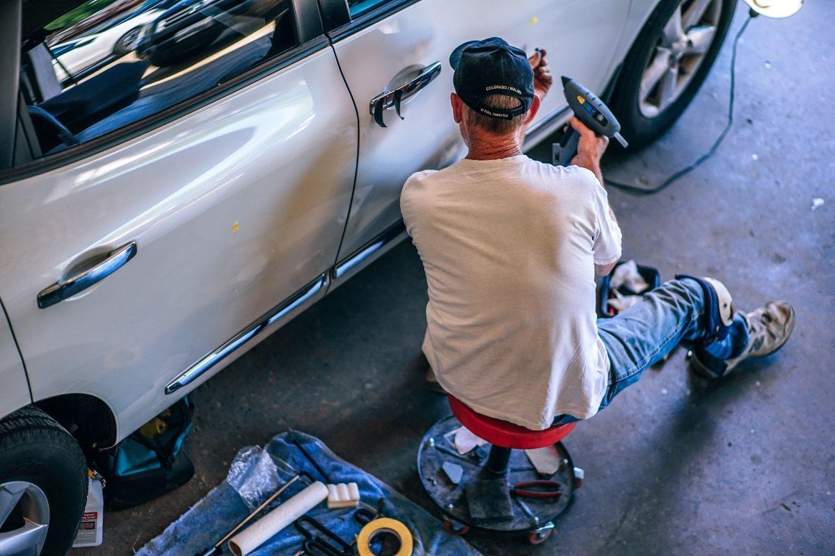 5 Auto Franchises That Offer Car Paint Services