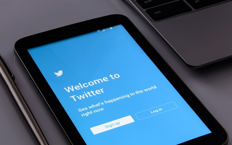 Using Twitter for Business: How to Attract and Retain Clients for Your Auto Detailing Business